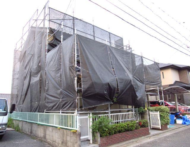 悪徳業者は雨の日の塗装工事で見極められる
