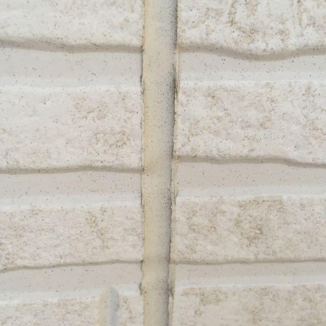 外壁塗装で必須のコーキングとは!?役割や費用、寿命などが知りたい