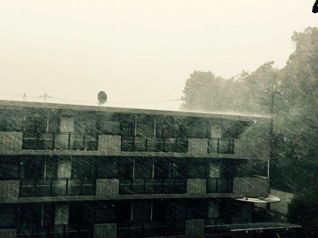 台風が外壁や屋根に与える影響とは!?工事中の足場倒壊などの対策は?