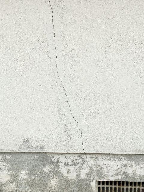 外壁や屋根の浮きや剥がれを放置しておくと危険なの!?