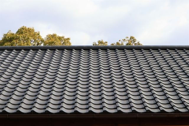 屋根塗装を放置すると発生する怖い事態について
